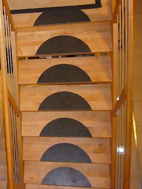 treppen mit graniteinlagen. Black Bedroom Furniture Sets. Home Design Ideas